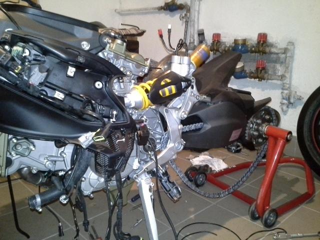 Ducati Panigale 1199s Streetfighter Umbau HIIILFEEE - Ducati 1299 ...