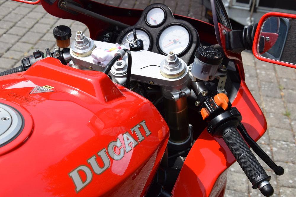 Motorrad-888-07-re_o.thumb.JPG.78edfae5ea7834ecb4045d6872cc64f7.JPG