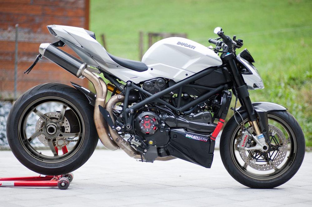 Ducati-03black1.thumb.jpg.a8fec78a1b70a8fd099590565073ac2b.jpg