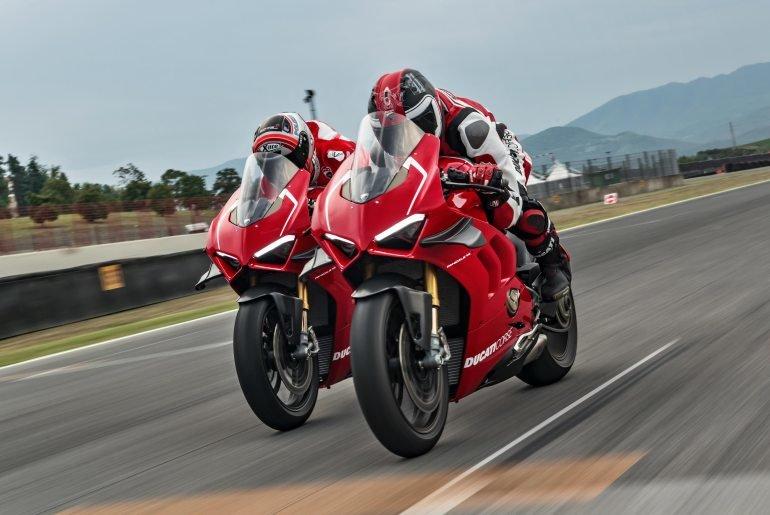 2019-Ducati-Panigale-V4-R.jpg