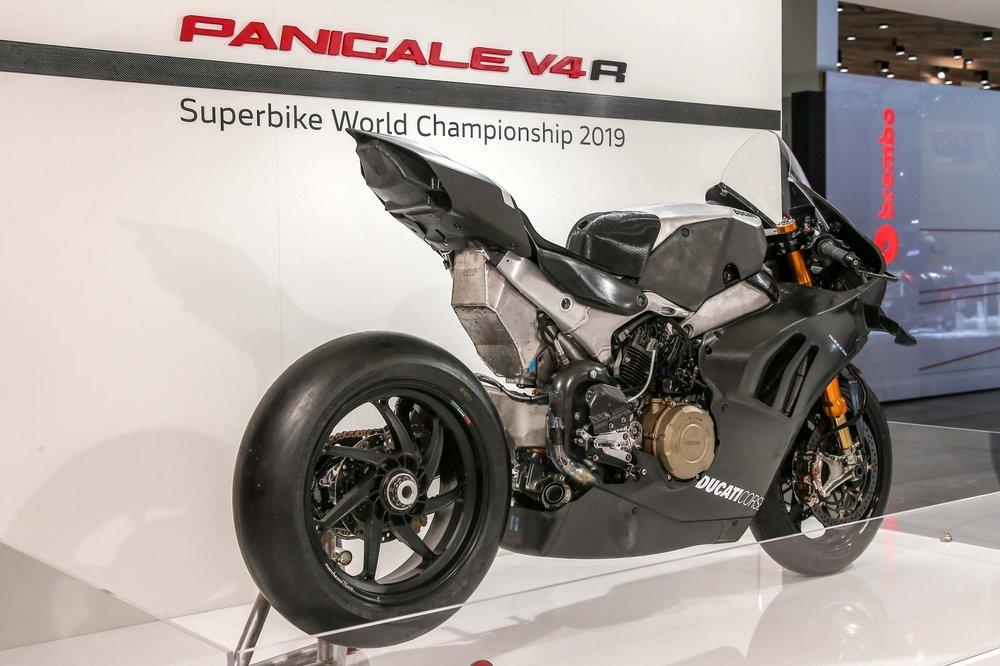 2019-Ducati-Panigale-V4-RS19-06.jpg
