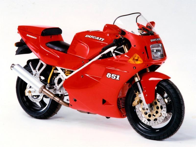 Ducati-851-1.jpg.a1e19abd73a8414e8c7be79
