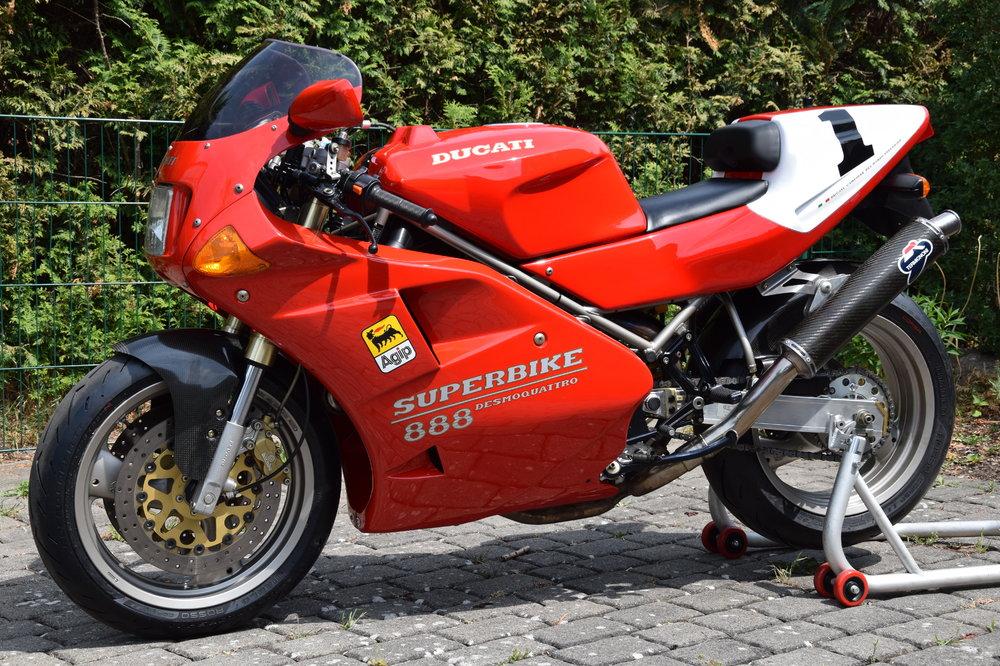 Motorrad-888-01-li_01.thumb.JPG.d9b486940b44701fada7bf3bd28a303c.JPG