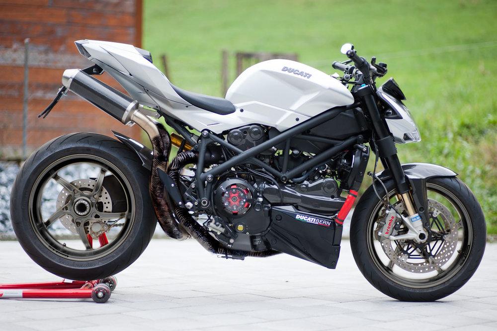 Ducati-03black2.thumb.jpg.c09d0af02d5b7ff0a21335ca9bdb223a.jpg