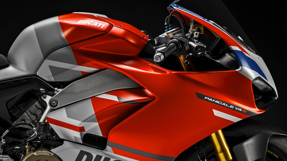 Panigale-V4S-Corse-MY19-07-Gallery-1920x1080.jpg