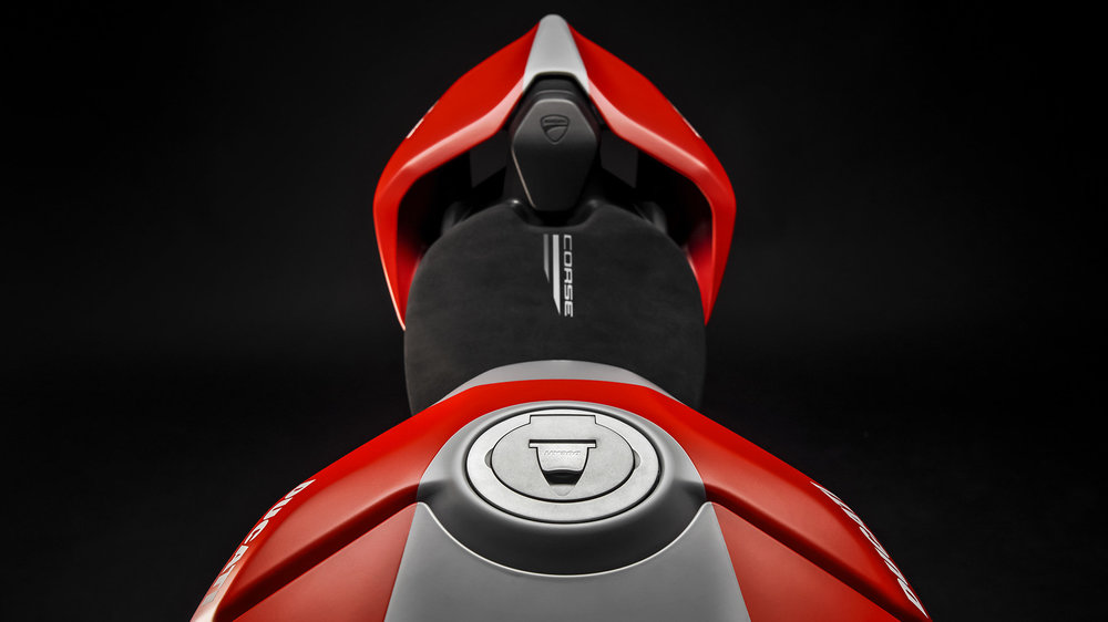 Panigale-V4S-Corse-MY19-11-Gallery-1920x1080.jpg