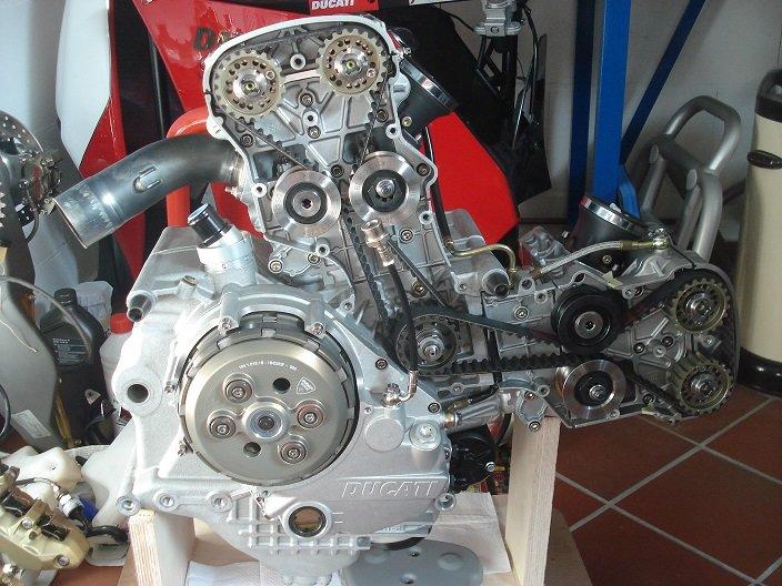 Motor_rechts.JPG
